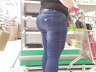 Brunettes;Hidden Cams;MILFs;Voyeur;Big Butts;HD Videos;Supermarket;In Ass Fatty mom's ass in supermarket
