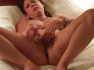 Brunette;Fingering;Mature;MILF;HD Videos;Orgasm;Big Clit;Girl Masturbating;Pussy hotwife diane b rubs her pussy
