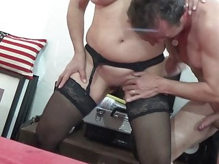 Blowjob;Mature;Facial;Squirting;Granny;Italian;Ass Licking;Interview;Threesome Mature e Granny italiane amano cazzi...