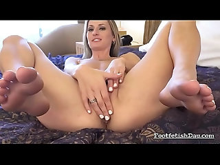 blonde,milf,tattoo,fetish,foot,feet,blonde Natasha Starr Getting Ready for Action
