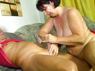 Amateur;Mature;MILF;Old & Young;HD Videos;Mom Signora matura una vera porca