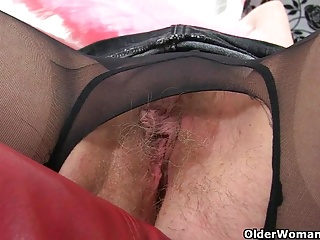 MILFs;British;Nylon;Pantyhose;Mom;Older Woman Fun English mums in tights part 2
