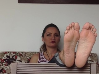 kink;latin;mom;mother;mature;soles;feet;up,Amateur;Latina;MILF;Feet;Solo Female Latina girl shows off her soles