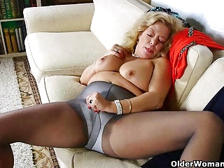 Matures;MILFs;Grannies;Nylon;HD Videos;Cougars;Collection;Older Woman Fun Karen Summer collection