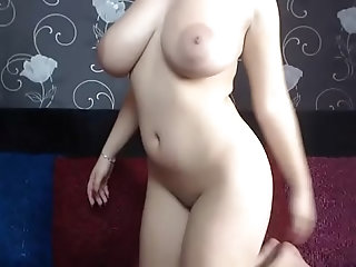 pussy,milf,brunette,vibrator,toys,masturbation,solo,big-ass,strip,camgirl,big-tits,liveshow,webshow,webam,milf Big titted horny brunette loves her...