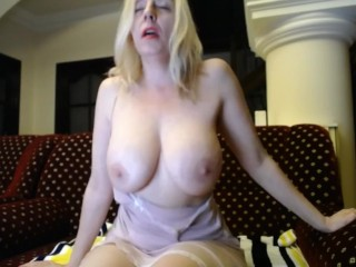 masturbate;big;boobs;milf,Big Tits;Masturbation;Webcam;Solo Female;Female Orgasm Milf en web cam 3