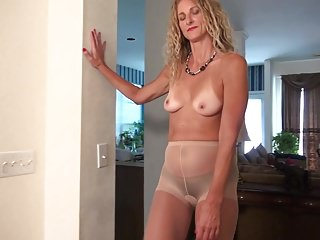Blondes;Masturbation;Matures;American;Mom;Anilos;HD Videos American mom Zoe