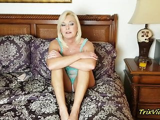 Amateur;Blonde;Stockings;MILF;Lingerie;HD Videos;High Heels;Interview;Girl Masturbating Ms Paris Answers Your Questions
