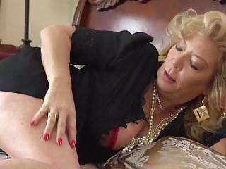 Matures;HD Videos;Fingers;Fingered;Mommas Momma Karen Summers fingering