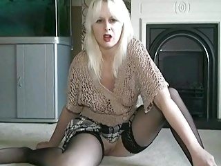 Amateur;Matures;MILFs;HD Videos;Kinky Kinky Kaylee begs you to fuck her