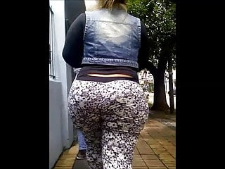 MILFs;Voyeur;HD Videos;PAWG;Big Ass;Mom Huge bubble butt whooty mom with wide...