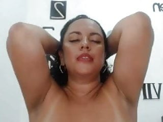 Webcam;Sex Toy;MILF;Voyeur;Orgasm;Armenian;Wife;Mom;Latina Super Horny wife loves getting oiled up