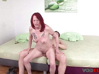 Amateur;Mature;Redhead;German;HD Videos;Mom VODEU - Schlaffe Titten Oma