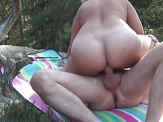 Big Boobs;MILFs;Grannies;Cougars;HD Videos;Forest Going blond in Dalby forest