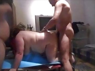 Amateur;Mature;French;Doggy Style;Big Tits;Big Ass;Threesome;European 3 cochons en trio, elle couine fort