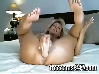 dildo,sex,boobs,blonde,sexy,babe,ass,milf,mature,booty,free,sexy sexy mature blonde plays with herself...